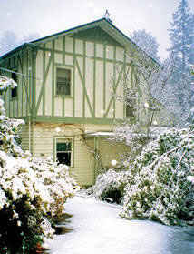Kerami Guest house in the snow